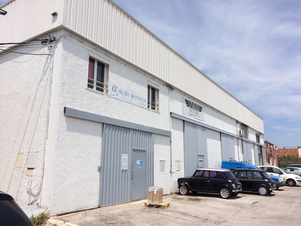 Stockage de  85 m² et bureaux de 75 m²  en proximité de La Farlède dans la zone d'activités de Sollies Ville - Photo 1