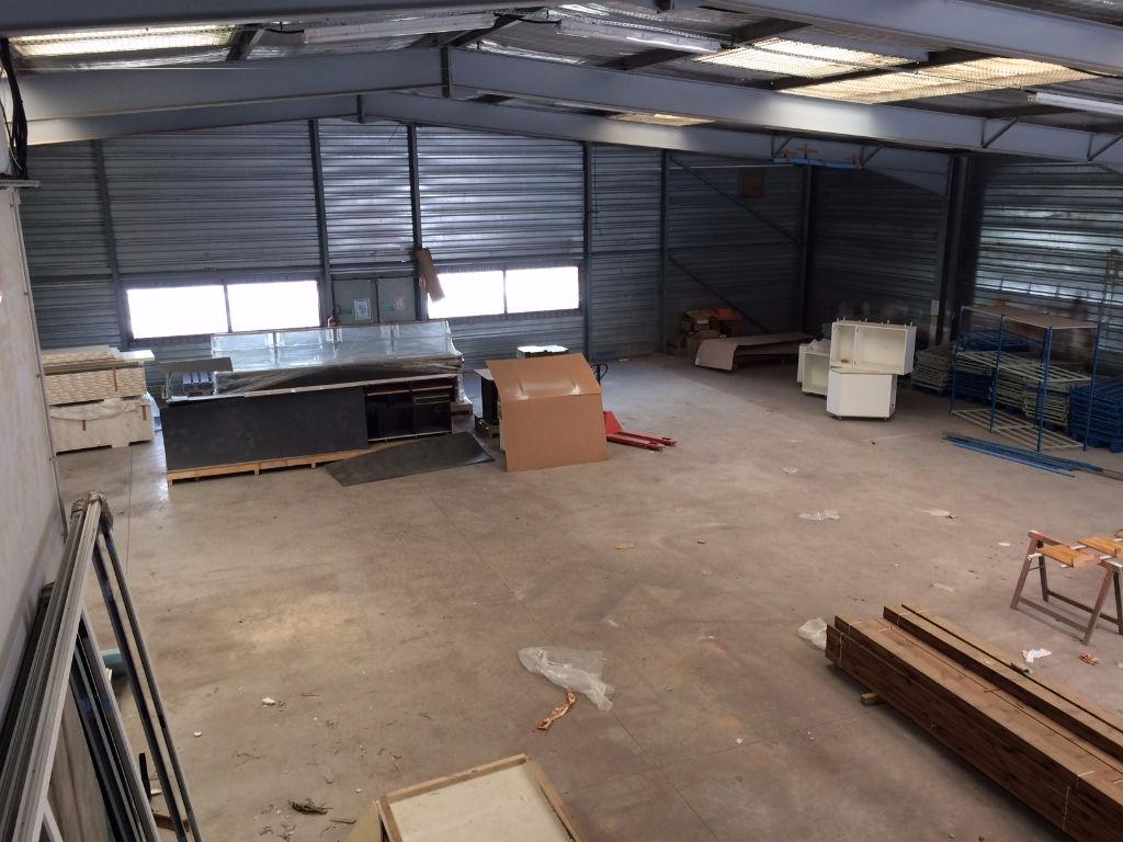 A vendre local mixte entrepôt et bureaux - Photo 1