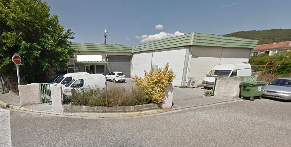 Local d'activité de 300 m² - Zone d'activité de SOLLIES PONT - Photo 1