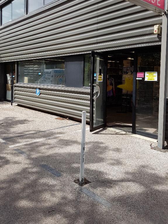 Local commercial Six Fours Les Plages 110,5 m2 - Photo 1