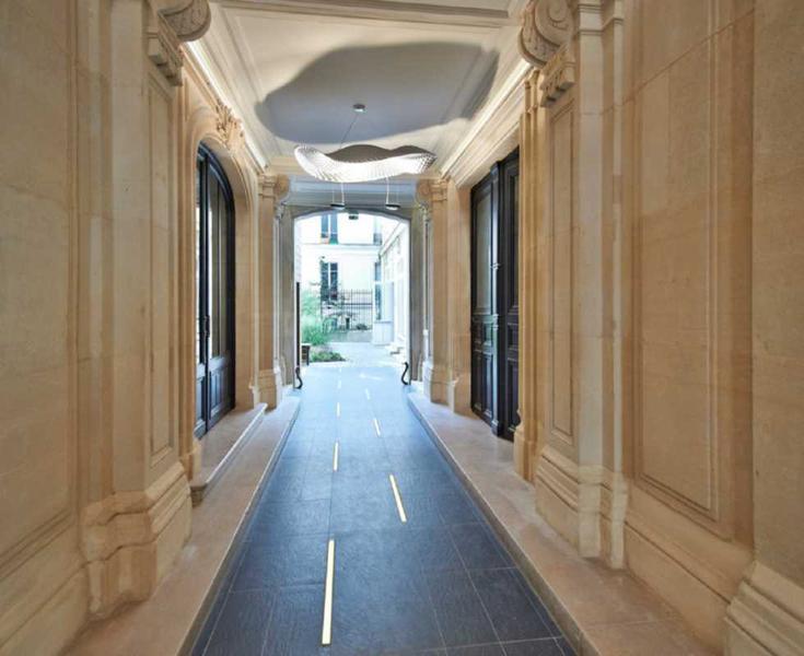 location bureaux paris 8 75008 65m. Black Bedroom Furniture Sets. Home Design Ideas