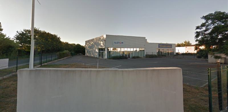 A louer LOCAL entrepôt ou commercial, En second rideau sur la zone de PERTUIS, 460 m²