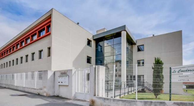 A louer, bureaux 725m² - Photo 1