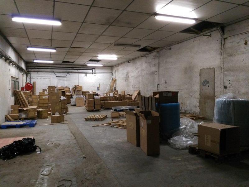 RARE sur Aix nord a louer - Entrepôt + bureaux, 825 m² div 197 m² - Photo 1