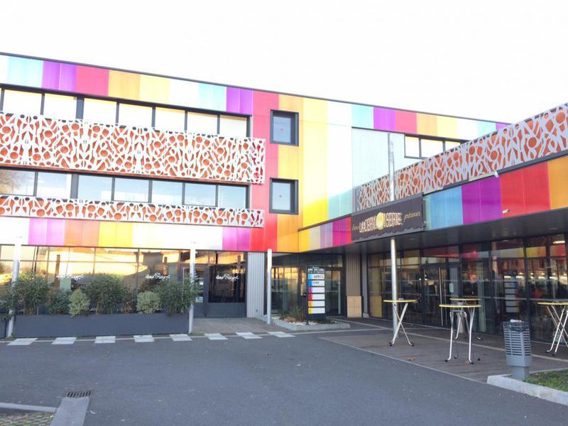 Location Bureaux Sainte Eulalie 33560 - Photo 1