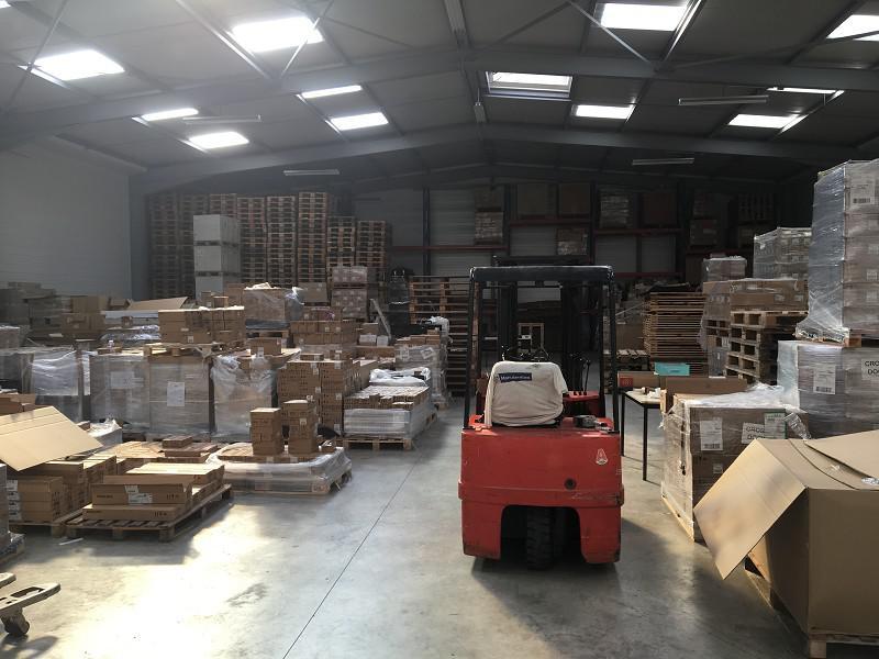 A vendre Local activité 725 m² COMPIEGNE - Photo 1