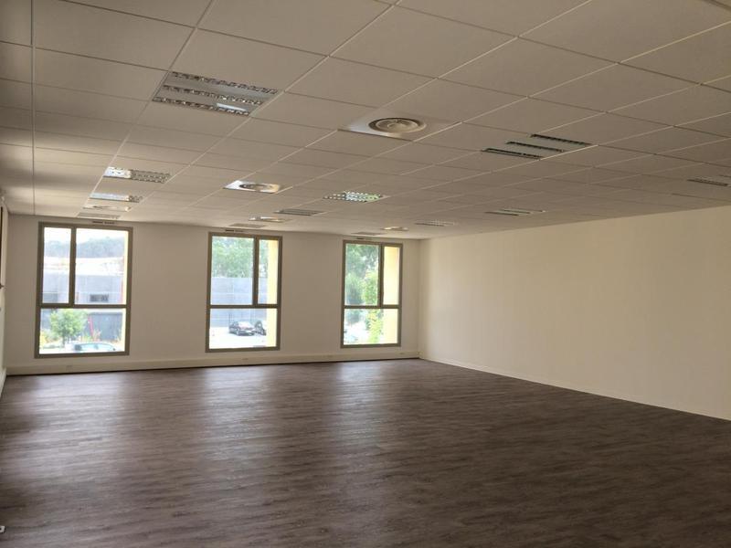 location bureaux aix en provence 13090 91m2. Black Bedroom Furniture Sets. Home Design Ideas