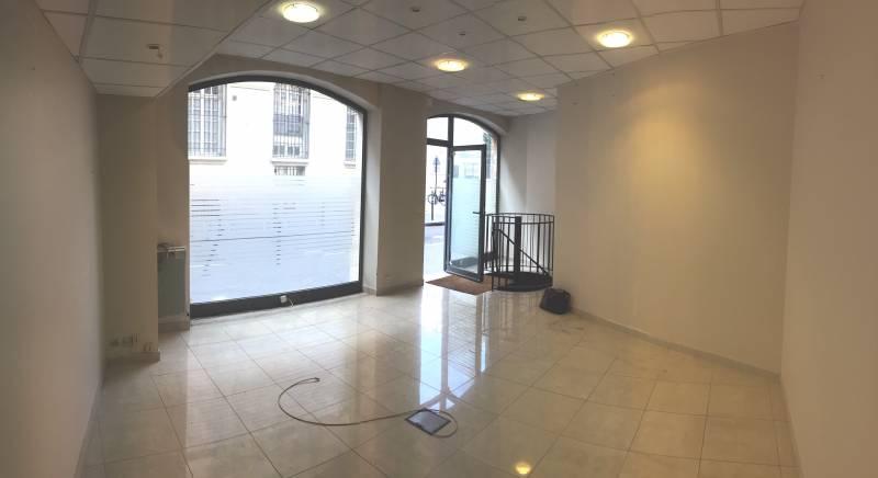 location locaux commerciaux 06 75006 70m2 bureauxlocaux