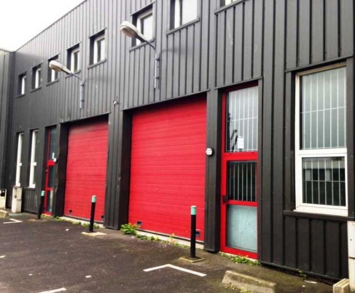 Local d'activité/bureaux à louer de 255m²  à Gennevilliers