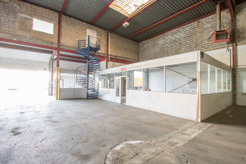 Locaux d'activités/bureaux 1118m² rénovés au parc Saint Denis Pleyel