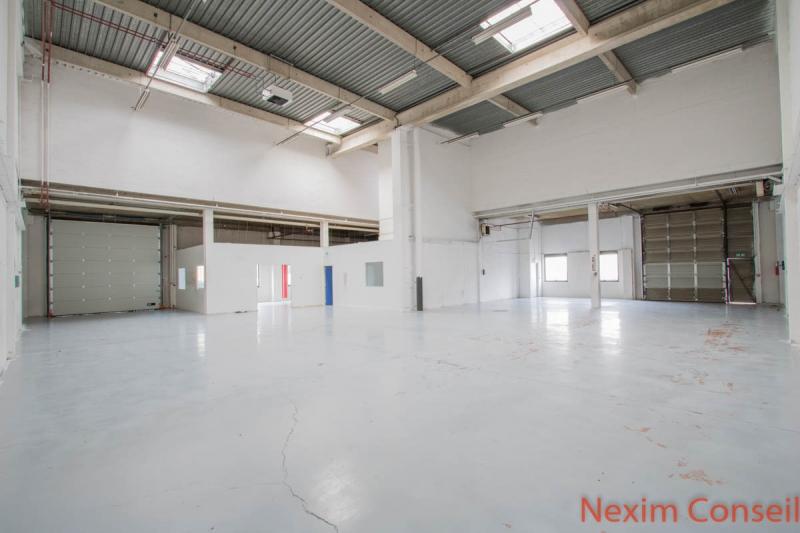 Locaux d'activité de 534m² et 197m² de bureaux rénovés  à Gennevilliers
