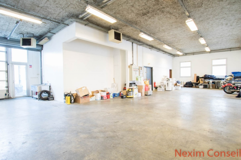 Local d'activités de 450m² et 200m² de bureaux rénovés à Gennevilliers, proximité A15 et A86