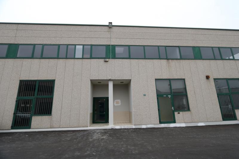 Locaux d'activités et bureaux rénovés de 1022 m²