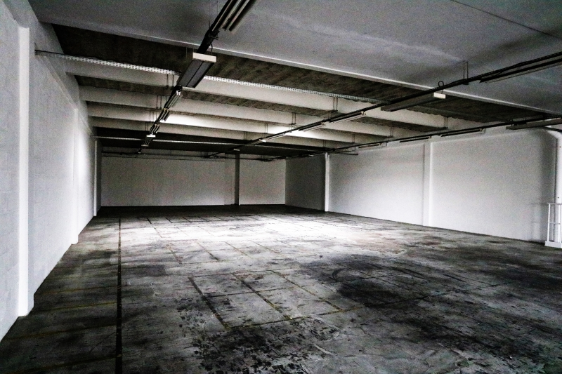 Locaux d'activités et bureaux de 1096m²rénovés à Gennevilliers