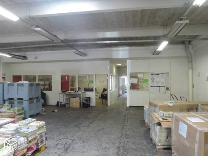 Locaux d'activités et bureaux rénovés de 567m² à Gennevilliers