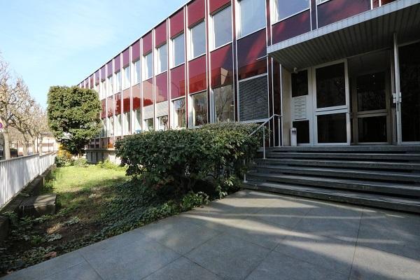 Bureaux à louer de 342m2 - Photo 1