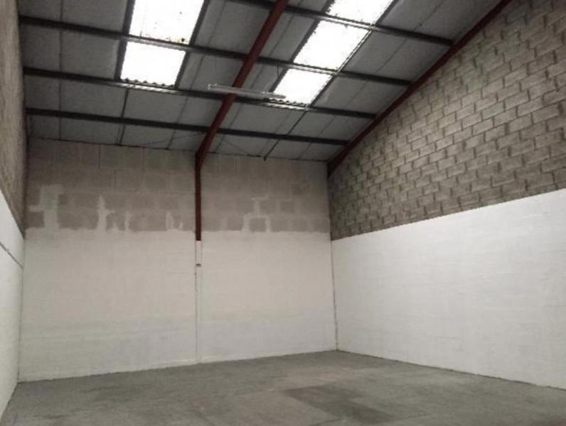 Location locaux d 39 activit s lisses 91090 160m for Garage l eglantier lisses