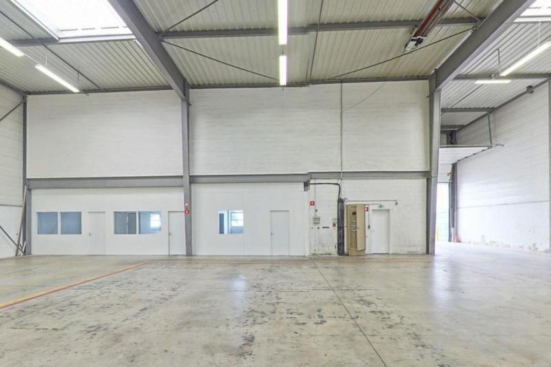 Bureaux, Entrepôt à louer de 450m2 - Photo 1