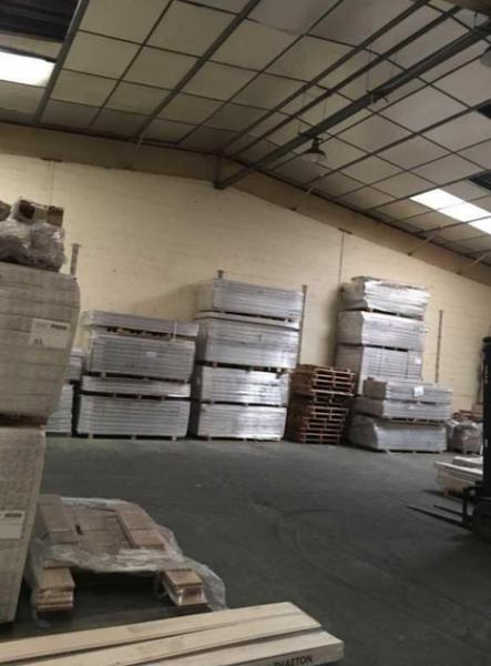 Bureaux, Entrepôt à louer de 460m2 - Photo 1