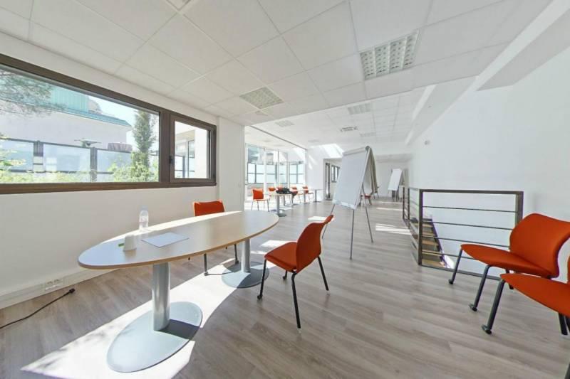 location bureaux la garenne colombes 92250 445m2. Black Bedroom Furniture Sets. Home Design Ideas