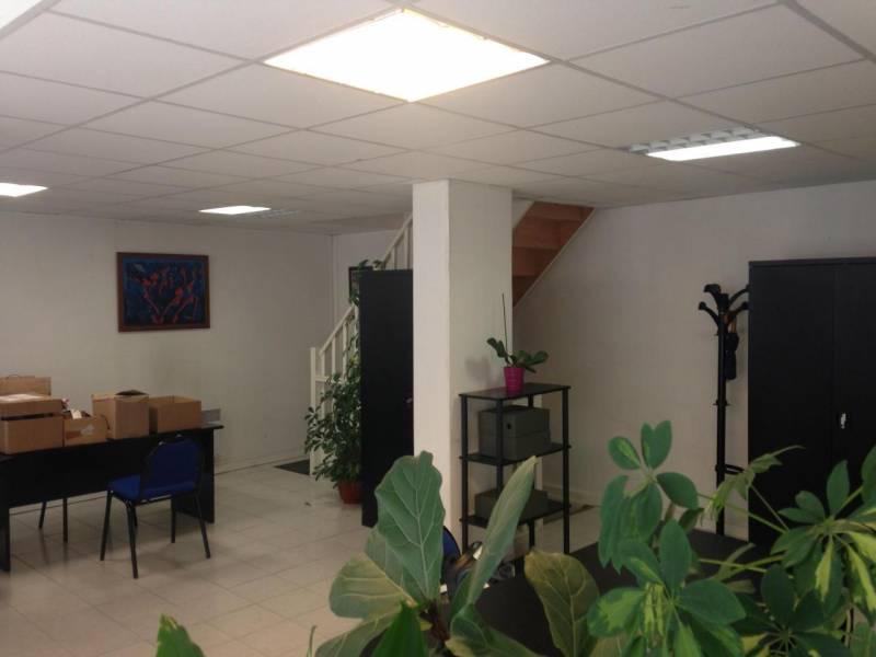 vente bureaux la garenne colombes 92250 158m2. Black Bedroom Furniture Sets. Home Design Ideas