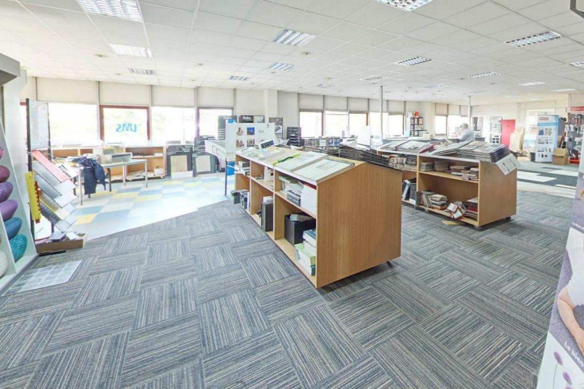 location bureaux gennevilliers 92230 1 206m2. Black Bedroom Furniture Sets. Home Design Ideas