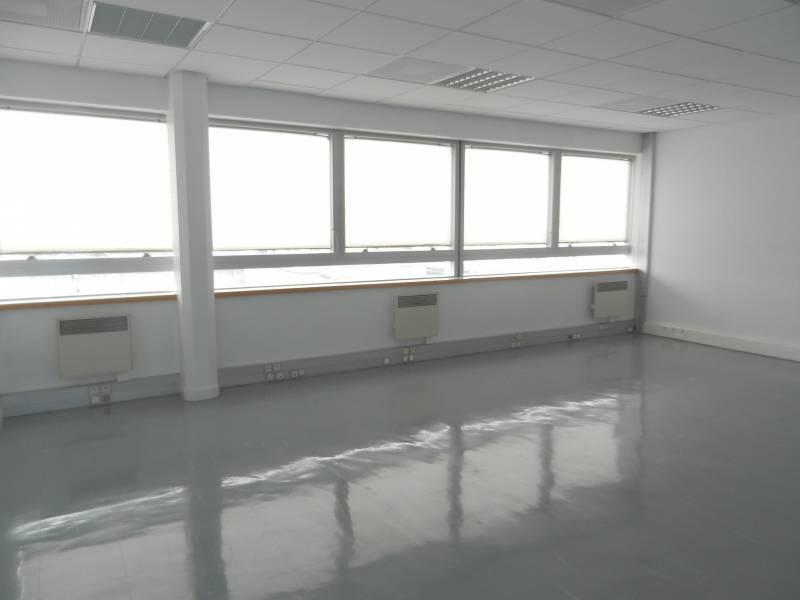 Location bureaux montigny le bretonneux 78180 186m2 id - Bureau de change montigny le bretonneux ...