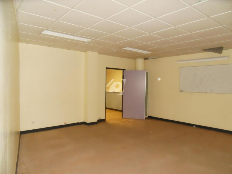 location bureaux lille 59000 1800m2. Black Bedroom Furniture Sets. Home Design Ideas