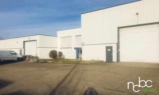 Local activité et stockage extérieur 3733 m2 - Photo 1