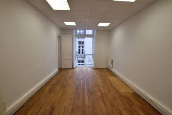 location bureaux nantes 44000 157m2. Black Bedroom Furniture Sets. Home Design Ideas