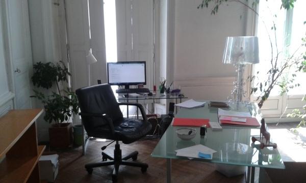 location bureaux nantes 44000 150m2. Black Bedroom Furniture Sets. Home Design Ideas