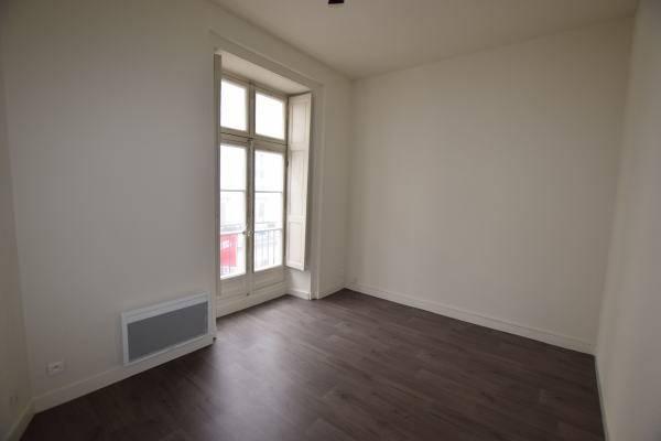 location bureaux nantes 44000 74m2. Black Bedroom Furniture Sets. Home Design Ideas