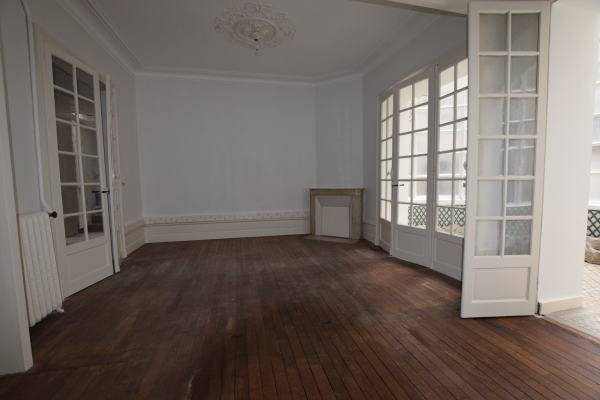 location bureaux nantes 44000 172m2. Black Bedroom Furniture Sets. Home Design Ideas