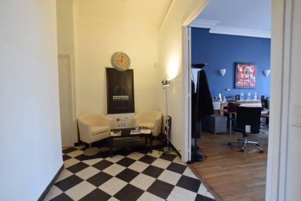 location bureaux nantes 44000 80m2. Black Bedroom Furniture Sets. Home Design Ideas