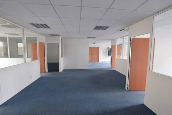 location bureaux nantes 44100 132m2. Black Bedroom Furniture Sets. Home Design Ideas