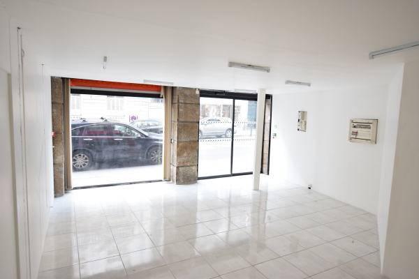location commerces nantes 44000 50m2. Black Bedroom Furniture Sets. Home Design Ideas