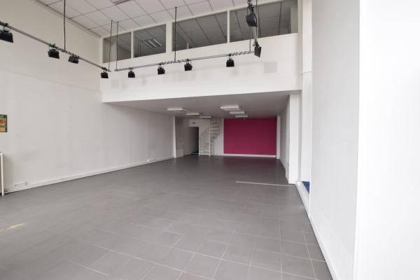 location locaux commerciaux nantes 44000 180m2. Black Bedroom Furniture Sets. Home Design Ideas