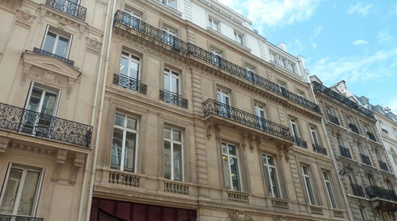 PARIS 08 : Bureaux r�nov�s � louer