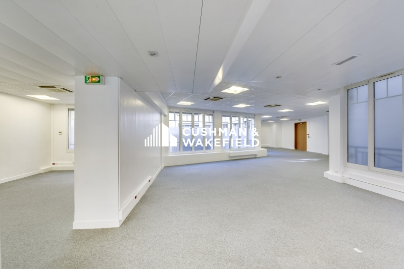 location bureaux paris 75008 284m2. Black Bedroom Furniture Sets. Home Design Ideas