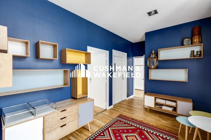 location bureaux paris 75004 100m2. Black Bedroom Furniture Sets. Home Design Ideas