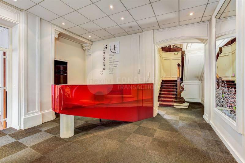 Location bureaux paris 75008 346m2 for Location bureau atypique paris