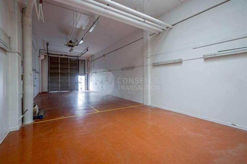 location locaux d 39 activit s colombes 92700 210m2. Black Bedroom Furniture Sets. Home Design Ideas