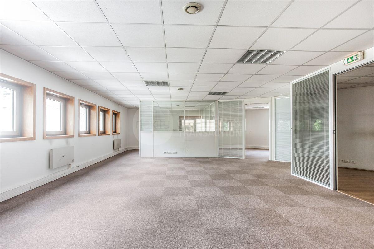 Location bureau le kremlin bicêtre m² u bureauxlocaux