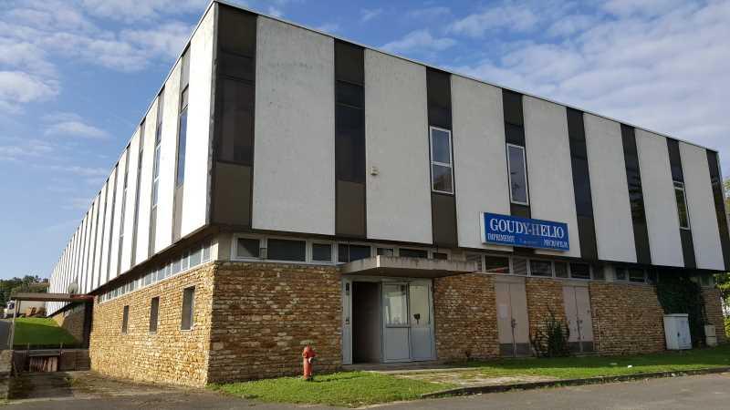 location locaux d 39 activit s saint fargeau ponthierry 77310 1 820m2. Black Bedroom Furniture Sets. Home Design Ideas
