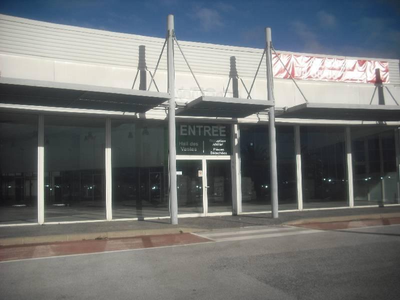 location locaux d 39 activit s locaux commerciaux perpignan 66000 715m2. Black Bedroom Furniture Sets. Home Design Ideas