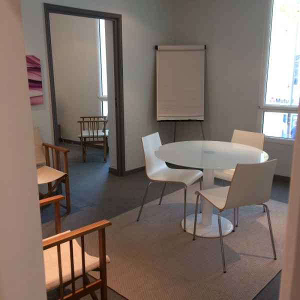 location bureaux boulogne billancourt 92100 30m2. Black Bedroom Furniture Sets. Home Design Ideas