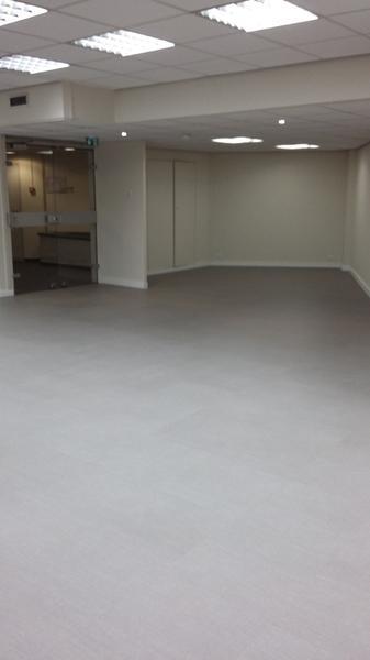 324.9 m² de bureaux - Photo 1