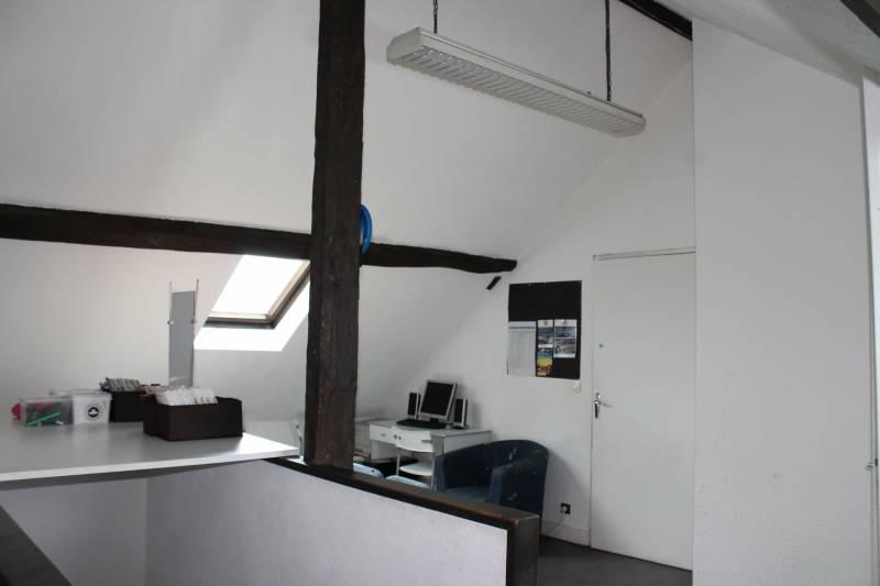 location bureaux cesson 77240 51m2. Black Bedroom Furniture Sets. Home Design Ideas