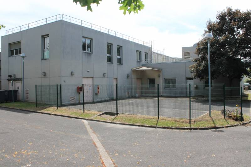 324 m2 de BUREAUX à prix accessible - Photo 1