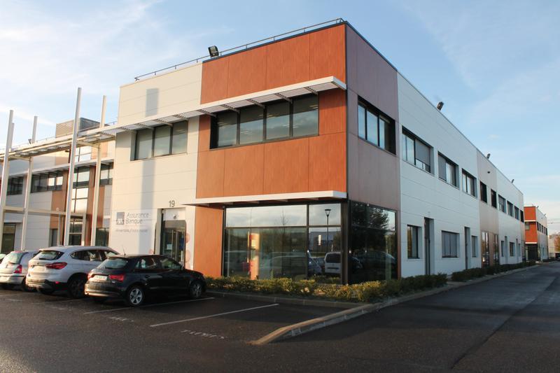 LIEUSAINT - Bureaux de standing - Photo 1